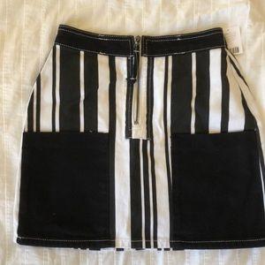 Black and white mini skirt from Urban